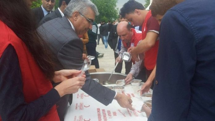 Kızılay'dan Kutlu Doğum Haftası'na 'Aşureli' Kutlama