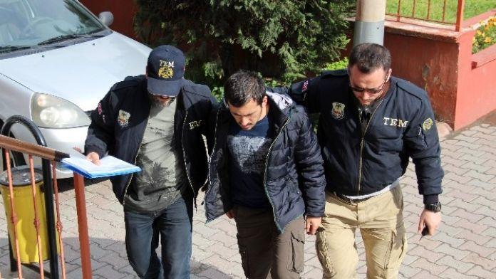 Örgütsel Yazılama Yapan Ve Fetö Üyesi 2 Kişi Yakalandı