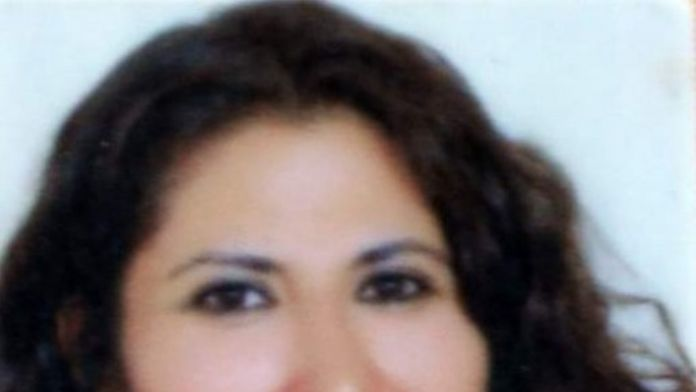 Öfkeli Koca Sokak Ortasında Eşini Bıçakladı