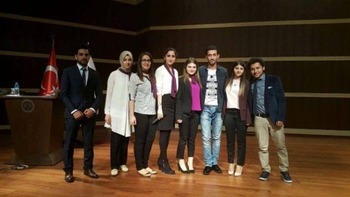 Üniversite Öğrencilerinden Anlamlı Program