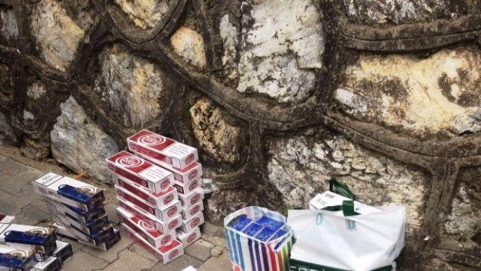 Semt Pazarında Bin 300 Paket Kaçak Sigara Ele Geçirildi