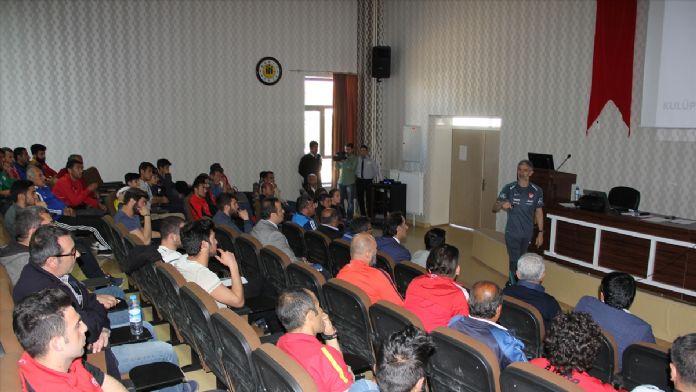 Malatya'da kaleci ve antrenörlerine eğitim