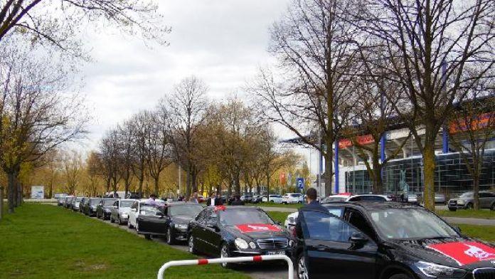 MHP Genel Başkan adayı Sinan Oğan'a Almanya'da konvoylu karşılama