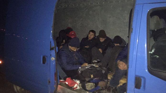 4 ilde operasyon: 366 kaçak göçmen yakalandı, 8 gözaltı