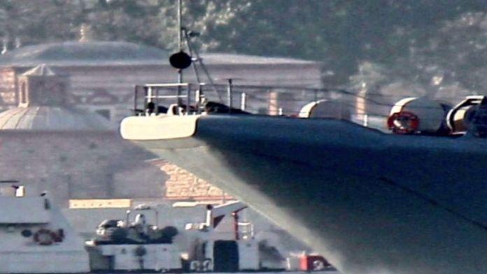 Boğaz'dan geçen Rus gemisinden yeni provokasyon