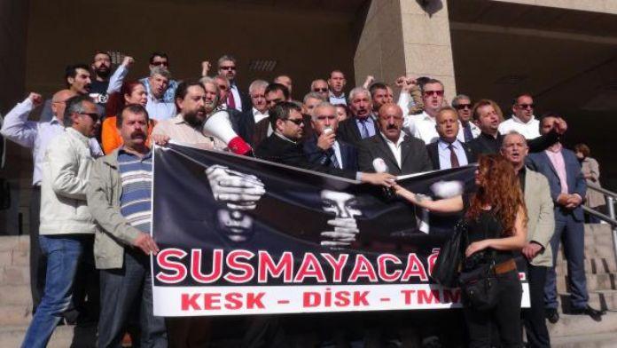 Erdoğan'a hakaret ettikleri öne sürülen 3 sendikacı beraat etti