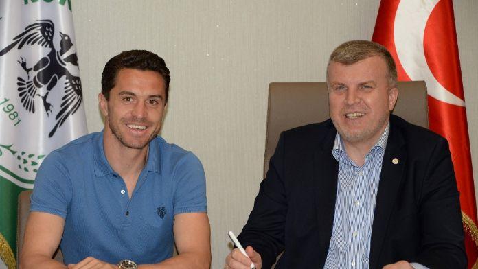 Konya Rangelov'un sözleşmesini uzattı