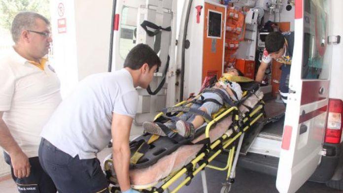 Şanlıurfa'da midibüsün çarptığı çocuk ağır yaralandı