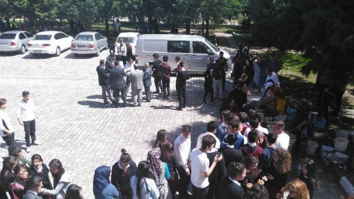 Akşehir Anadolu Lisesi'nden Lokma Hayrı