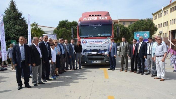 Biga'dan Bayır Bucak Türkmenlerine Yardım