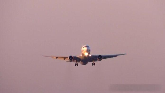 Pilottan kuleye: Uçaklar sola yatıyor
