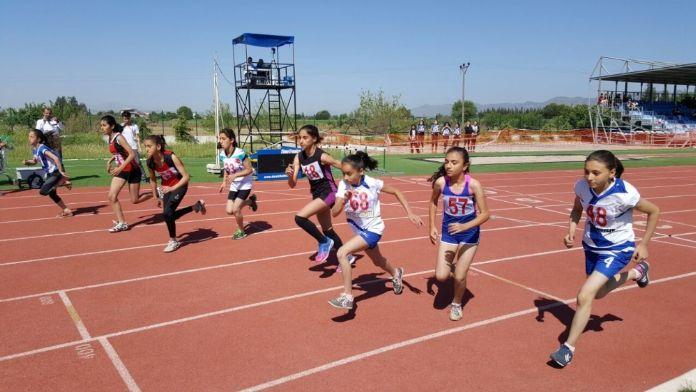 Çocuklar Sporla Büyüyecek