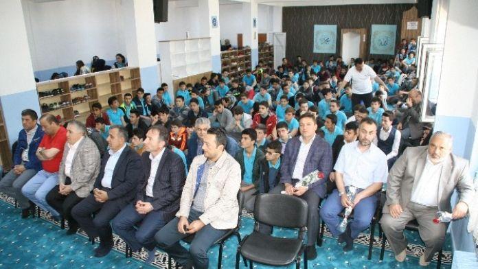 Devrek Anadolu İmam Hatip Lisesinden Kutlu Doğum Haftası Etkinliği