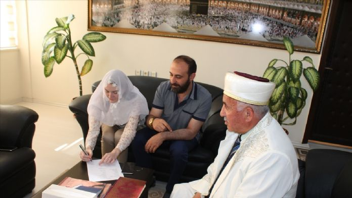 Ukraynalı kadın, İslamiyet'i seçti