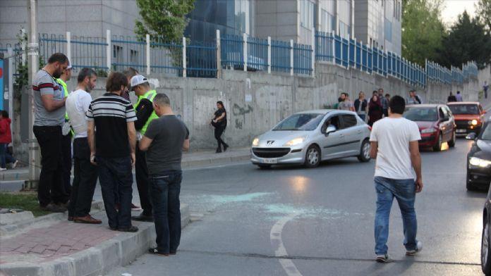 Kağıthane'deki polise taşlı saldırı