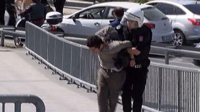 Adliye önünde 'Karaman' eylemi 4 gözaltı
