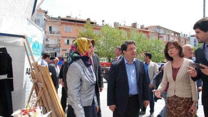 Aksaray'da El Sanatları Sergisi Açıldı