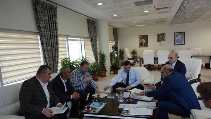 AK Partili Başkan Genç, CHP Ve MHP Grup Başkanvekilleri İle Toplantı Yaptı