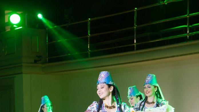 Devlet Halk Dansları Topluluğu, Prag'da