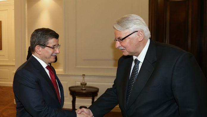 Başbakan Davutoğlu, Polonyalı Bakanı kabul etti
