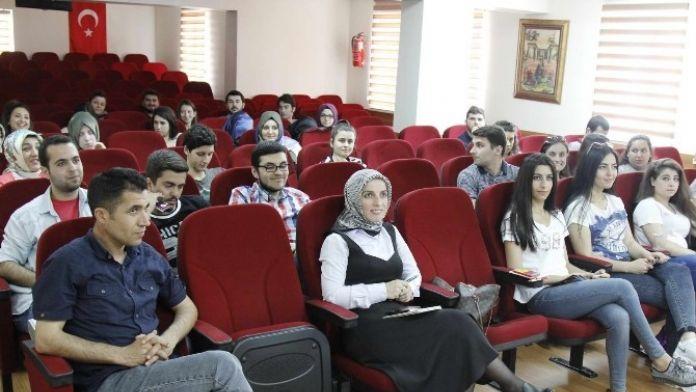 SAÜ'de 'Kariyer Ve Kişilik' Semineri Düzenlendi