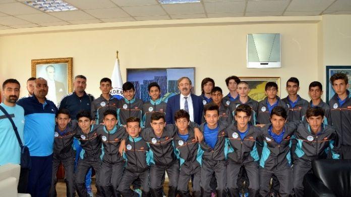 Akdeniz'in U15'leri Türkiye Şampiyonasında Finale Kaldı