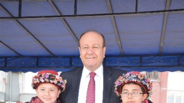Başkan Özakcan'ın 23 Nisan Ulusal Egemenlik Ve Çocuk Bayramı Mesajı
