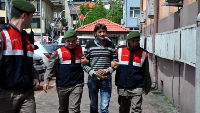 Üvey kızını tacizden tutuklandı
