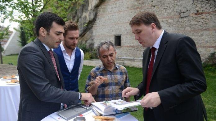 Slovenya Bursalı Yatırımcıları Bekliyor