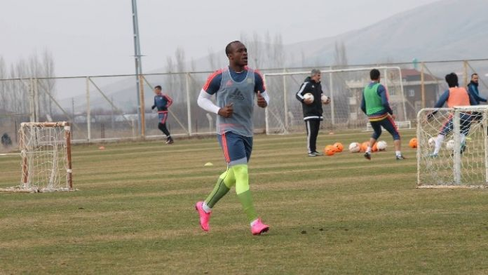 Alima Yeni Malatyaspor, Akpabio'yu Yolladı