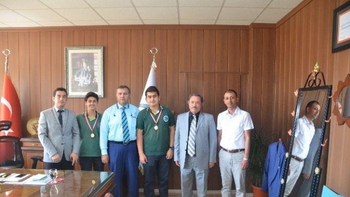 Tarsus Fen Lisesi Öğrencileri, Projeleriyle Türkiye Finaline Katılacak