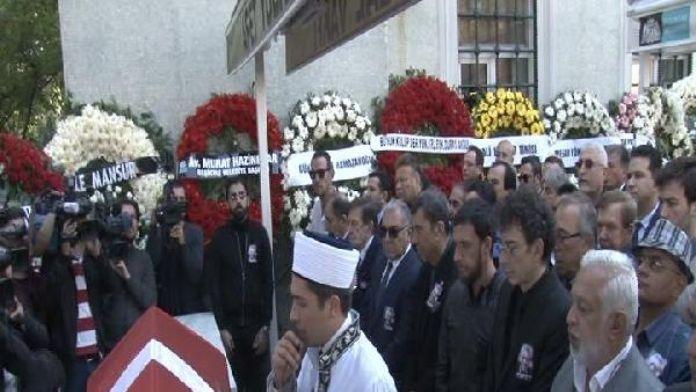 Attila Özdemiroğlu son yolculuğuna uğurlandı...