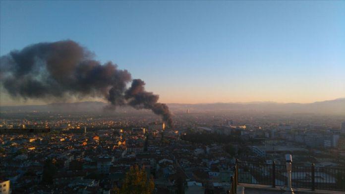 Bursa'da tamirhanede yangın