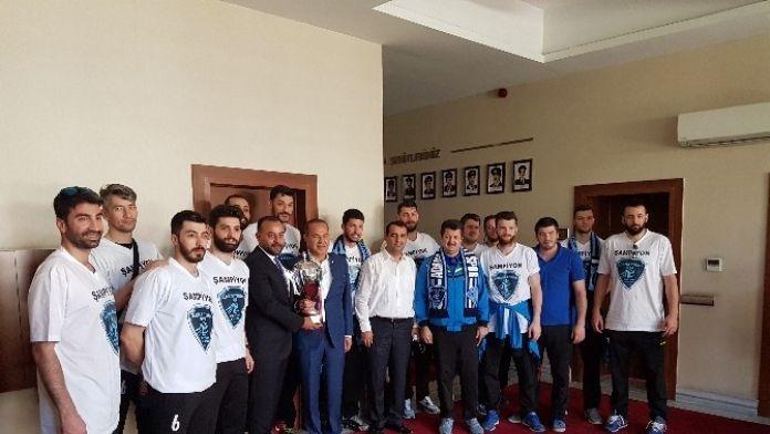 Adana Toros Byz Spor Kupayı Hüseyin Sözlü'ye Getirdi