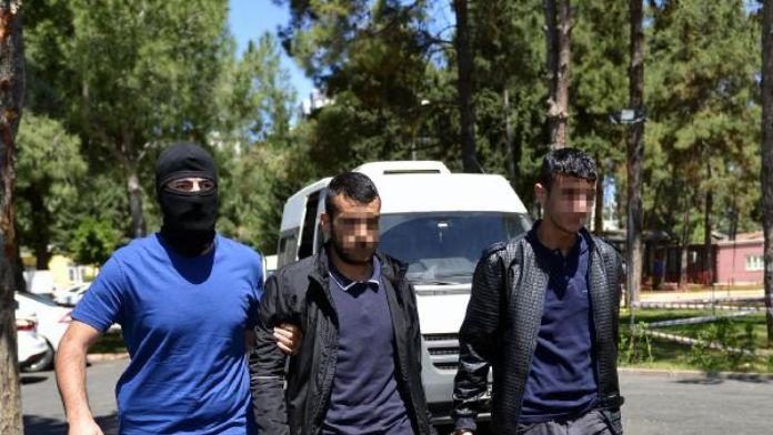 Adana'da terör operasyonu: 13 gözaltı