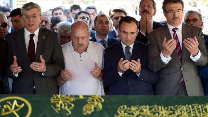 Adalet Bakanı Bozdağ, İstanbul'da cenazeye katıldı