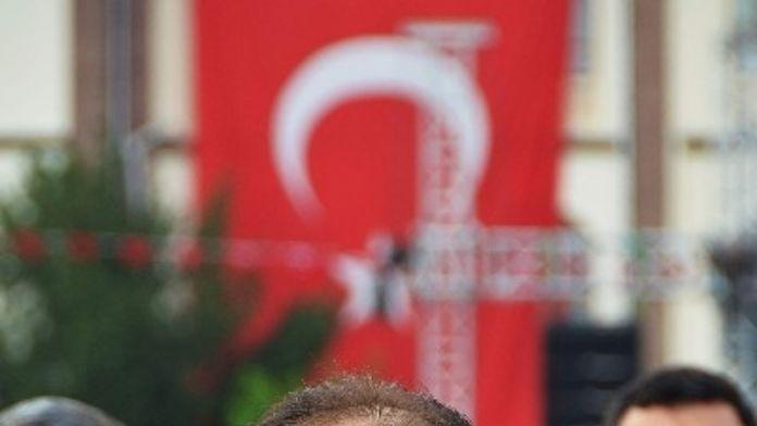 AK Partili Baybatur'dan 23 Nisan Kutlaması