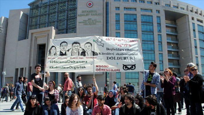Akademisyenlerin 'terör örgütü propagandası' davası