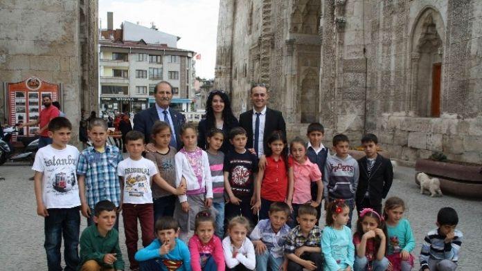 SESOB Başkanı Köksal, 23 Nisan Ulusal Egemenlik Ve Çocuk Bayramı'nı Kutladı