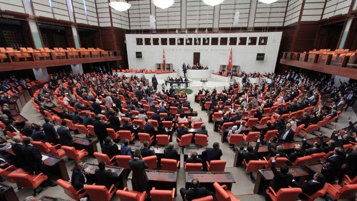 Meclis görüşmelerine 'Ergenekon davası' davası