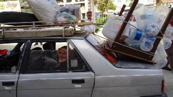 Otomobilini kamyonet gibi kullanıp eşya taşıdı