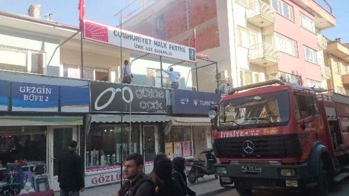 CHP'de Yangın Paniği