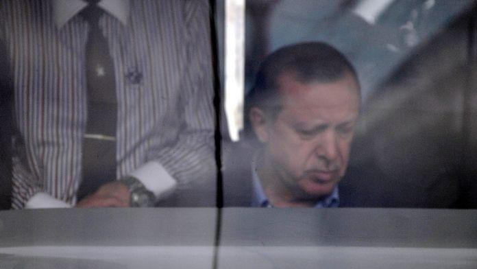 Erdoğan tramvay kullandı