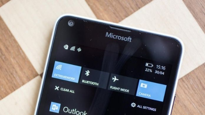 Microsoft Akıllı Telefon Sektörüne Yenildi