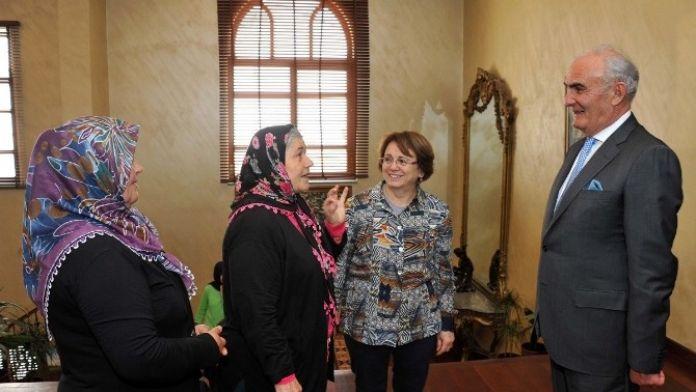 Senarist Ve Yönetmen Ümmiye Koçak, Başkan Yılmaz'ı Ziyaret Etti