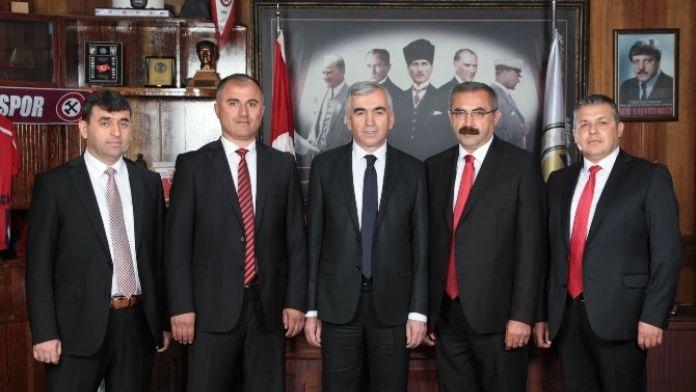 GMİS Yönetimi 23 Nisan'ı Kutladı