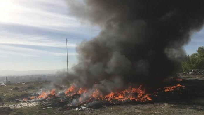 Atık Madde Yangını İtfaiye Ekiplerince Söndürüldü