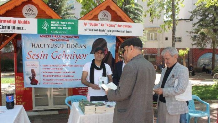 'Sesin Gelmiyor' Kitabının İmza Günü Düzenlendi