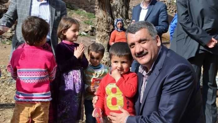 Gürkan'dan 23 Nisan Mesajı