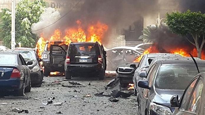 Bombalı saldırı 3 polis hayatını kaybetti